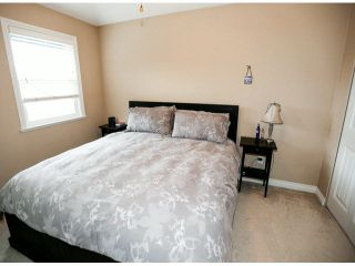 "Photo 12: 4 6919 180TH Street in Surrey: Cloverdale BC Townhouse for sale in ""PROVIDENCE"" (Cloverdale)  : MLS®# F1423777"