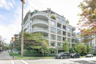 """Photo 2: 501 5700 LARCH Street in Vancouver: Kerrisdale Condo for sale in """"ELM PARK PLACE"""" (Vancouver West)  : MLS®# R2409423"""