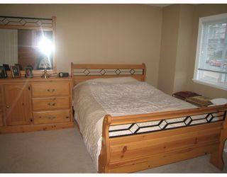 Photo 8: 1054 DELESTRE Avenue in Coquitlam: Maillardville 1/2 Duplex for sale : MLS®# V750137