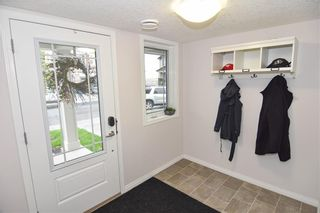 Photo 4: 326 HILLCREST Square SW: Airdrie Row/Townhouse for sale : MLS®# C4303380