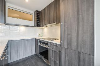 "Photo 10: 1604 668 COLUMBIA Street in New Westminster: Quay Condo for sale in ""TRAPP & HOLBROOK"" : MLS®# R2541245"