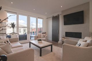 Photo 13: 3628 Parkhill Street SW in Calgary: Parkhill Semi Detached for sale : MLS®# A1083574