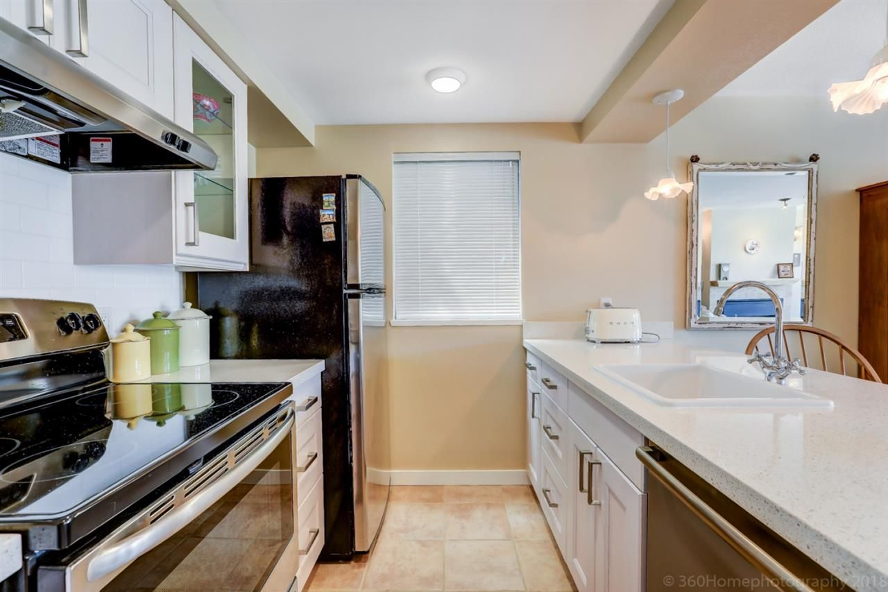 """Photo 9: Photos: 4 973 W 7TH Avenue in Vancouver: Fairview VW Condo for sale in """"SEAWINDS"""" (Vancouver West)  : MLS®# R2273280"""