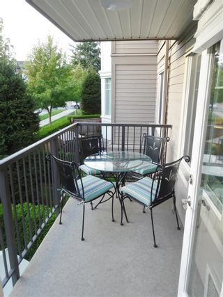 "Photo 9: 206 15357 ROPER Avenue: White Rock Condo for sale in ""Regency Court"" (South Surrey White Rock)  : MLS®# R2342552"