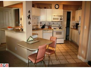 """Photo 3: 309 34101 OLD YALE Road in Abbotsford: Central Abbotsford Condo for sale in """"YALE TERRACE"""" : MLS®# F1008524"""