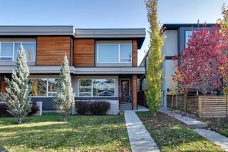 Main Photo: 2 1920 25A Street SW in Calgary: Richmond Row/Townhouse for sale : MLS®# A1155552