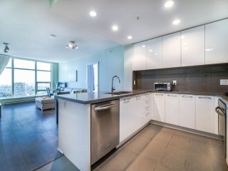 "Photo 8: 3105 4880 BENNETT Street in Burnaby: Metrotown Condo for sale in ""CHANCELLOR"" (Burnaby South)  : MLS®# R2532141"