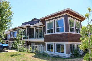 Photo 1: 6443 Fox Glove Terr in Central Saanich: CS Tanner House for sale : MLS®# 882634
