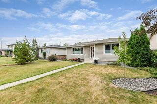 Photo 3: 3604 111A Street in Edmonton: Zone 16 House for sale : MLS®# E4255445