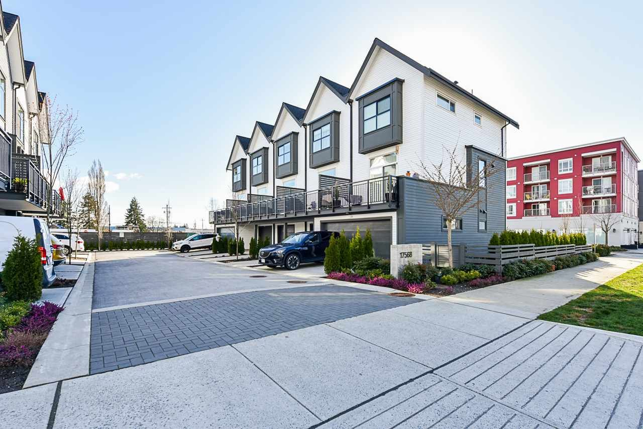 """Main Photo: 97 17568 57A Avenue in Surrey: Cloverdale BC Townhouse for sale in """"HAWTHORNE"""" (Cloverdale)  : MLS®# R2554938"""