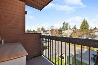"""Photo 11: 311 33870 FERN Street in Abbotsford: Central Abbotsford Condo for sale in """"Fernwood Manor"""" : MLS®# R2420512"""