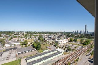 """Photo 16: 2002 10777 UNIVERSITY Drive in Surrey: Whalley Condo for sale in """"CITY POINT"""" (North Surrey)  : MLS®# R2595806"""
