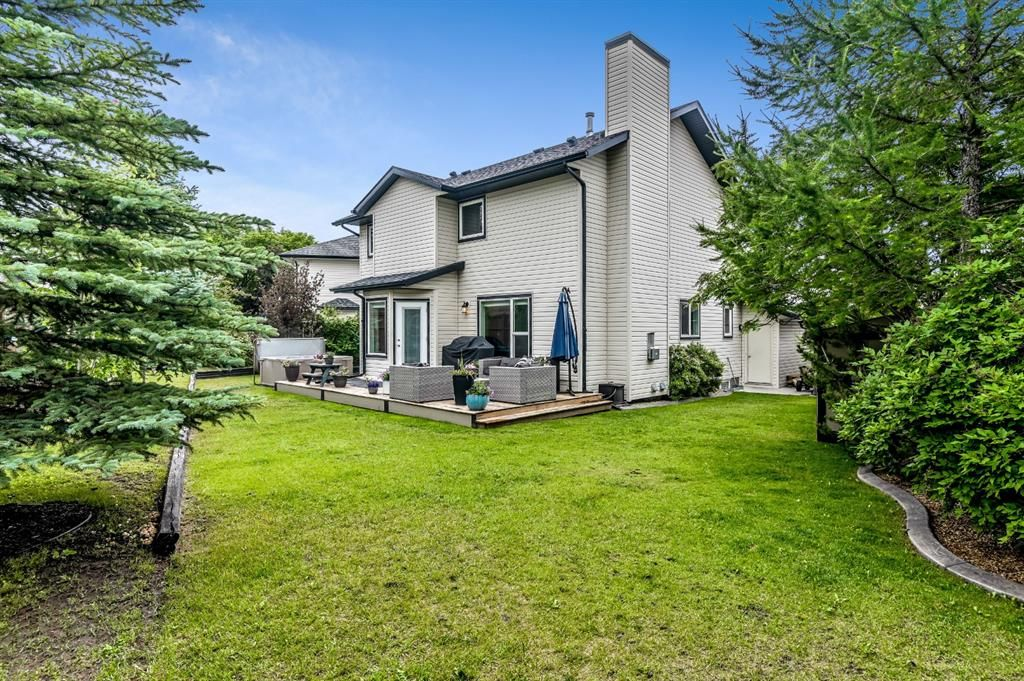 Main Photo: 323 Sunset Place: Okotoks Detached for sale : MLS®# A1128225