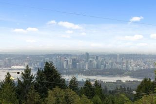 """Photo 1: 510 CRAIGMOHR Drive in West Vancouver: Glenmore House for sale in """"Glenmore"""" : MLS®# R2617145"""