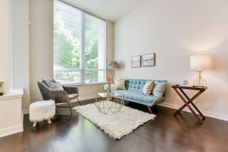 """Photo 3: 1061 RICHARDS Street in Vancouver: Downtown VW Townhouse for sale in """"Donovan"""" (Vancouver West)  : MLS®# R2460503"""
