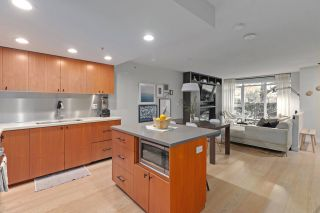 Photo 3: 1117 Homer St in Vancouver: Yaletown Townhouse for sale (Vancouver West)  : MLS®# R2517344
