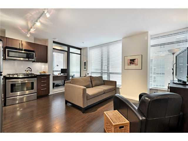 "Main Photo: 809 1068 W BROADWAY in Vancouver: Fairview VW Condo for sale in ""THE ZONE"" (Vancouver West)  : MLS®# V865216"