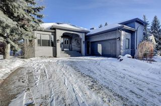 Photo 1: 864 SHAWNEE Drive SW in Calgary: Shawnee Slopes Detached for sale : MLS®# C4282551