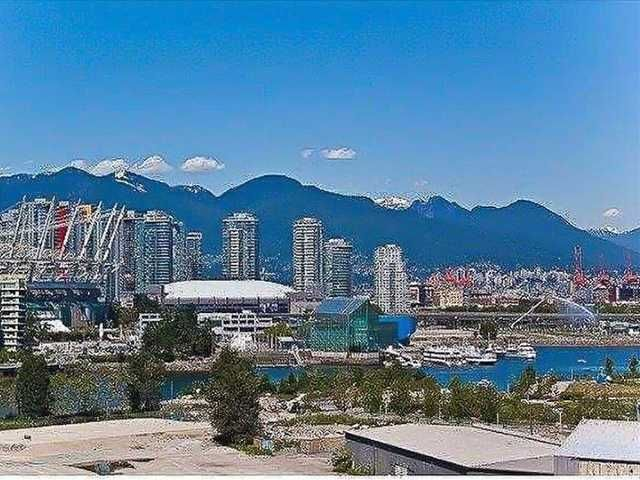 "Main Photo: # 1005 1833 CROWE ST in Vancouver: False Creek Condo for sale in ""FOUNDRY"" (Vancouver West)  : MLS®# V1042655"