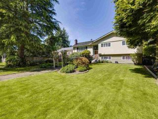 """Photo 2: 3583 W 50TH Avenue in Vancouver: Southlands House for sale in """"SOUTHLANDS"""" (Vancouver West)  : MLS®# R2580864"""