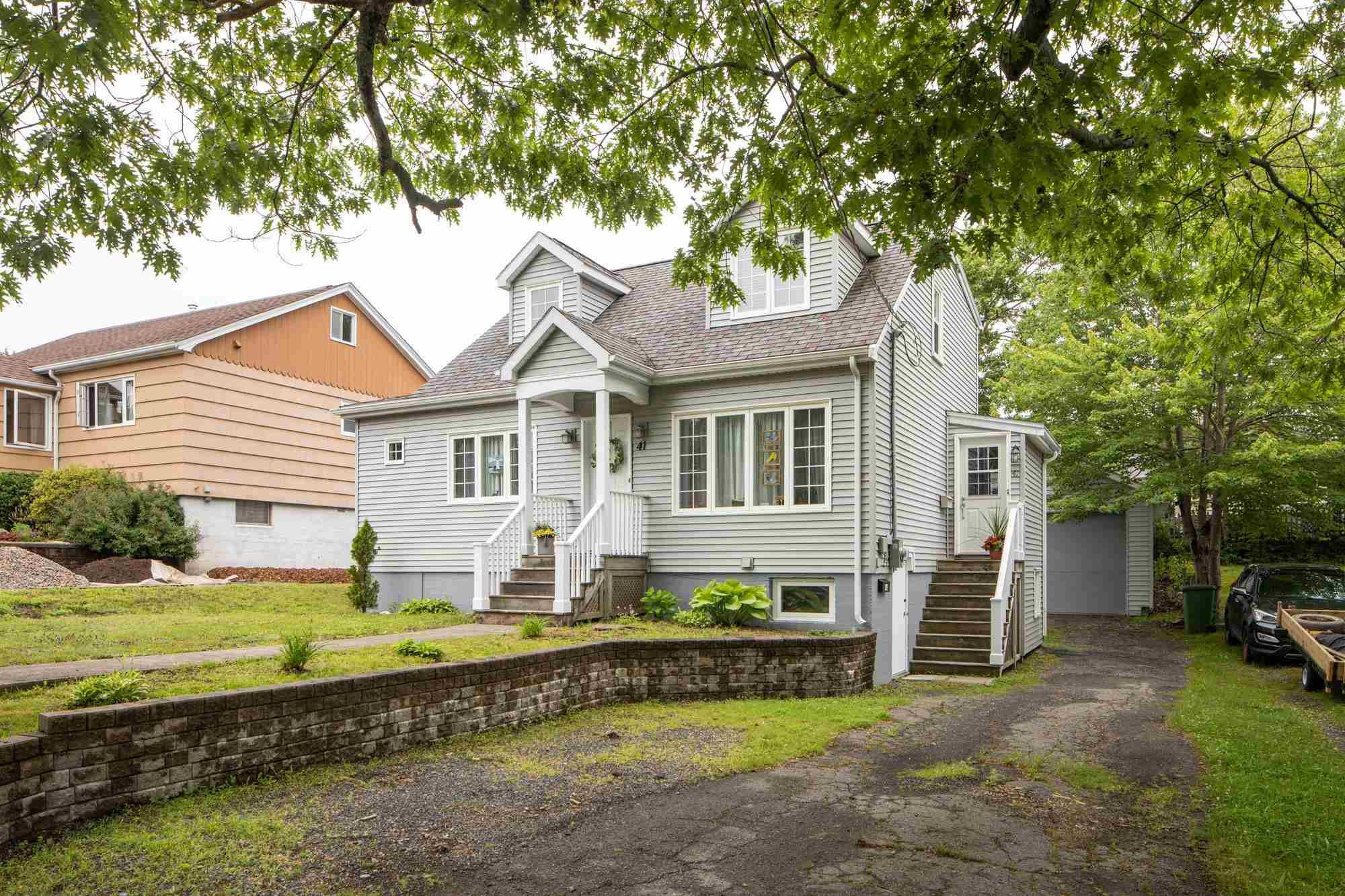 Main Photo: 41 Central Avenue in Halifax: 6-Fairview Multi-Family for sale (Halifax-Dartmouth)  : MLS®# 202116974