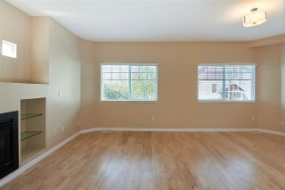 """Photo 7: 11 1108 RIVERSIDE Close in Port Coquitlam: Riverwood Townhouse for sale in """"HERITAGE MEADOWS"""" : MLS®# R2359716"""
