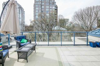 """Photo 3: 611 500 W 10TH Avenue in Vancouver: Fairview VW Condo for sale in """"Cambridge Court"""" (Vancouver West)  : MLS®# R2381638"""