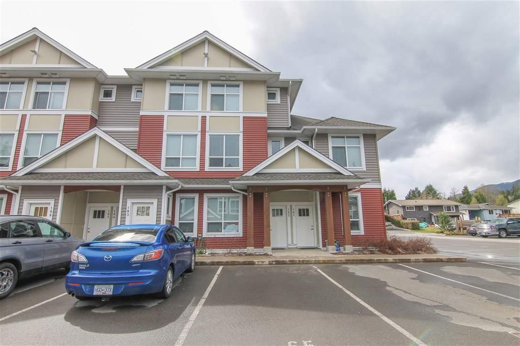Main Photo: 102 110 Baxter Avenue: Kitimat Condo for sale (Kitimat (Zone 89))  : MLS®# R2348927