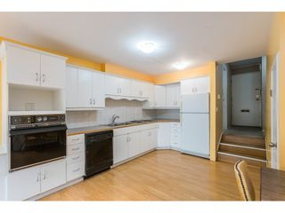 """Photo 3: 102 17718 60 Avenue in Surrey: Cloverdale BC Townhouse for sale in """"CLOVER PARK GARDENS"""" (Cloverdale)  : MLS®# R2498057"""