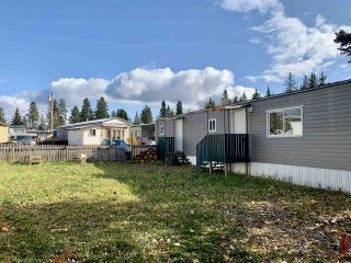 "Photo 2: 55 95 LAIDLAW Road in Smithers: Smithers - Rural Manufactured Home for sale in ""MOUNTAINVIEW MOBILE HOME PARK"" (Smithers And Area (Zone 54))  : MLS®# R2411956"
