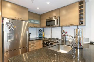 """Photo 11: 405 1690 W 8TH Avenue in Vancouver: Fairview VW Condo for sale in """"The Musee"""" (Vancouver West)  : MLS®# R2527245"""
