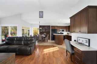 Photo 9: 4749 SIMMONS Road: Yarrow House for sale : MLS®# R2555558
