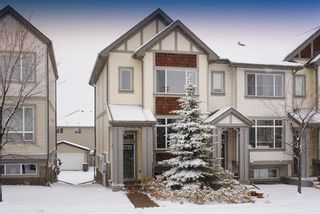 Photo 3: 19 COPPERPOND Close SE in Calgary: Copperfield Row/Townhouse for sale : MLS®# A1049083