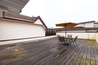 """Photo 15: 404 3668 RAE Avenue in Vancouver: Collingwood VE Condo for sale in """"RAE COURT"""" (Vancouver East)  : MLS®# R2350560"""