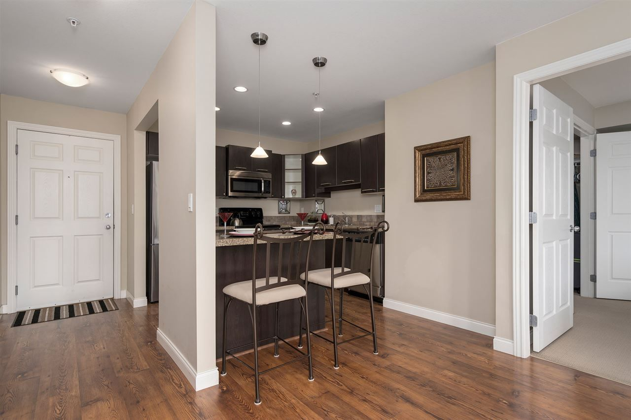 """Photo 9: Photos: 312 5438 198 Street in Langley: Langley City Condo for sale in """"CREEKSIDE ESTATES"""" : MLS®# R2394421"""