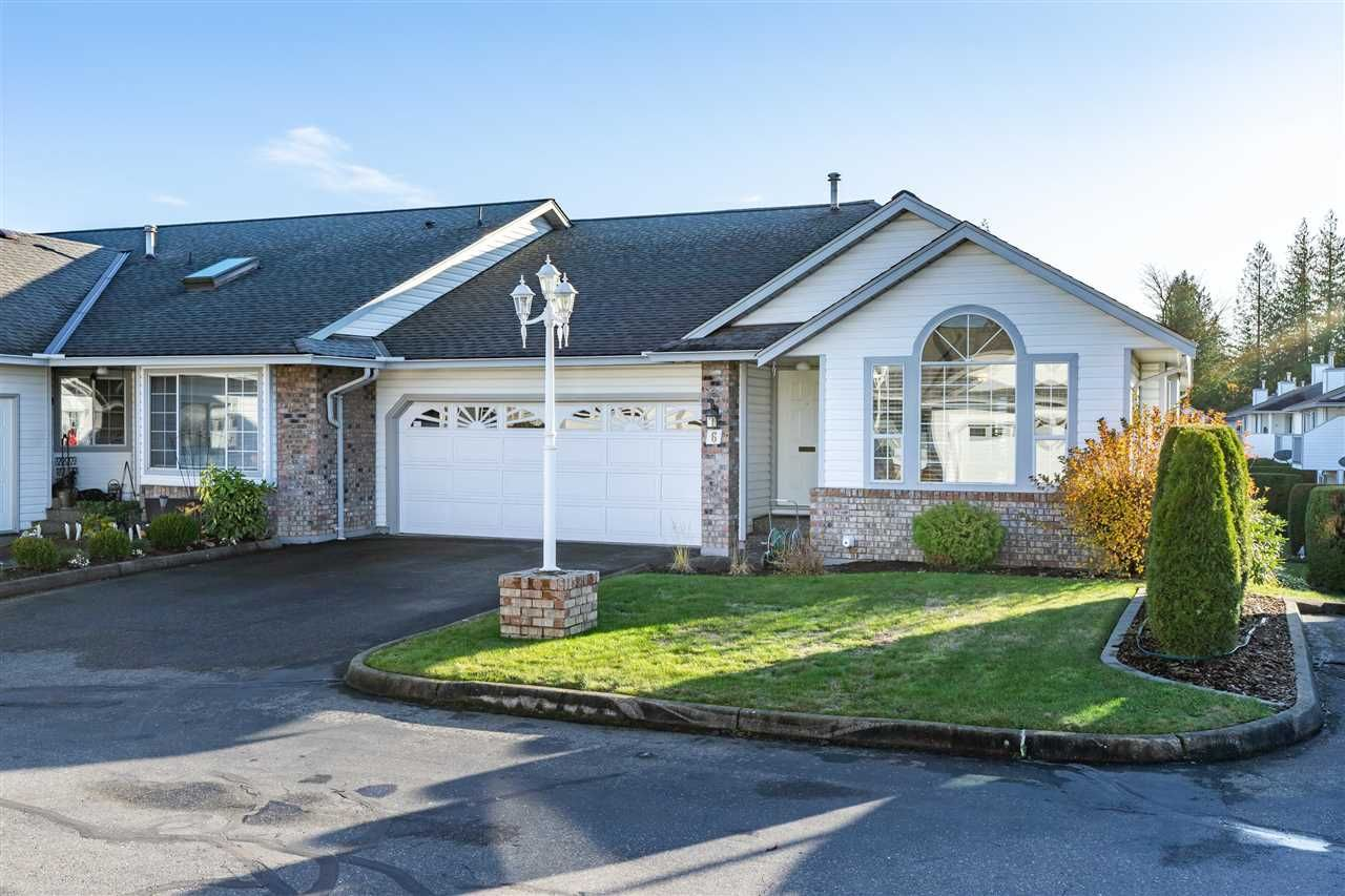 """Main Photo: 6 33922 KING Road in Abbotsford: Poplar Townhouse for sale in """"Kingsview Estates"""" : MLS®# R2420349"""