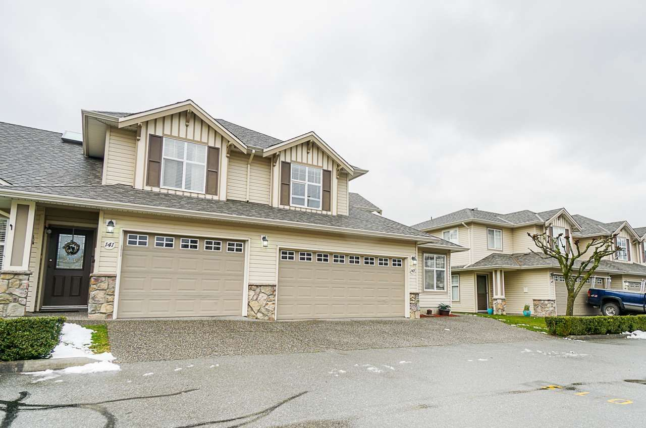 Main Photo: 142 6450 VEDDER Road in Chilliwack: Sardis East Vedder Rd Townhouse for sale (Sardis)  : MLS®# R2539579