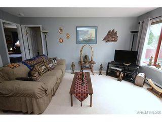 Photo 3: 102 873 Esquimalt Rd in VICTORIA: Es Old Esquimalt Condo for sale (Esquimalt)  : MLS®# 735561