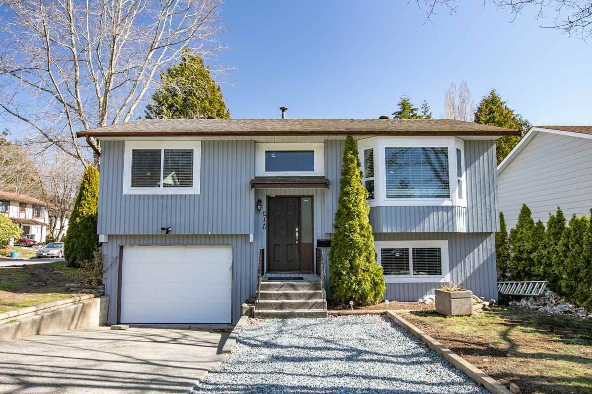 Main Photo: 6726 140A Street in Surrey: East Newton House for sale : MLS®# R2391675