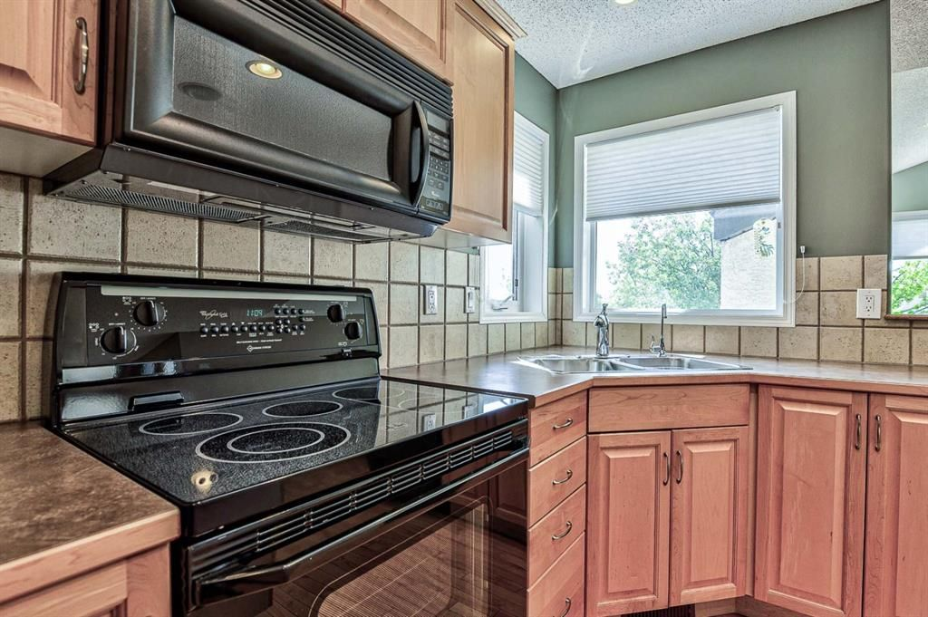 Photo 9: Photos: 106 Everwillow Close SW in Calgary: Evergreen Detached for sale : MLS®# A1116249