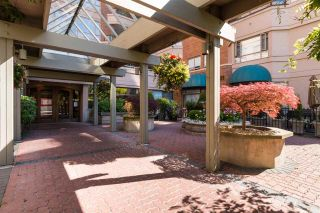 """Photo 12: 612 15111 RUSSELL Avenue: White Rock Condo for sale in """"Pacific Terrace"""" (South Surrey White Rock)  : MLS®# R2118120"""