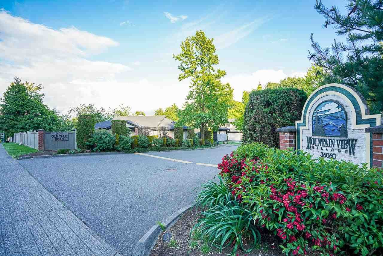 """Photo 39: Photos: 48 36060 OLD YALE Road in Abbotsford: Abbotsford East Townhouse for sale in """"Mountain View Village"""" : MLS®# R2586333"""