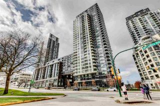 "Photo 1: 652 5515 BOUNDARY Road in Vancouver: Collingwood VE Condo for sale in ""WALL CENTRE CENTRAL PARK 2"" (Vancouver East)  : MLS®# R2562784"