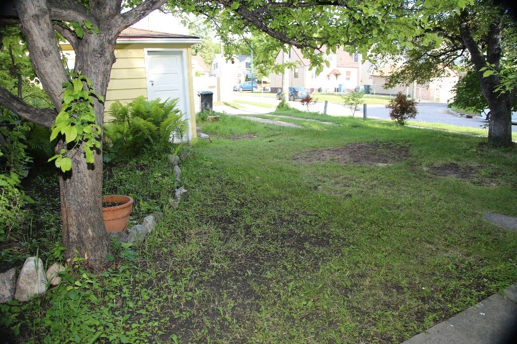 Photo 25: Photos: 1088 Sherburn Street in Winnipeg: West End Single Family Detached for sale (West Winnipeg)  : MLS®# 1414577