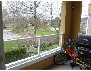 Photo 8: 202 2340 HAWTHORNE Avenue in Port_Coquitlam: Central Pt Coquitlam Condo for sale (Port Coquitlam)  : MLS®# V696613