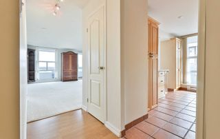 Photo 4: 1102 60 Inverlochy Boulevard in Markham: Royal Orchard Condo for sale : MLS®# N5402290