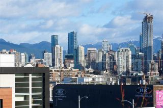 """Photo 7: 304 1819 W 5TH Avenue in Vancouver: Kitsilano Condo for sale in """"WEST FIVE"""" (Vancouver West)  : MLS®# R2605726"""