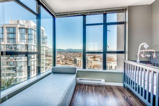 """Photo 14: 1903 11 E ROYAL Avenue in New Westminster: Fraserview NW Condo for sale in """"""""THE RESIDENCES OF VICTORIA HILL"""""""" : MLS®# R2354217"""