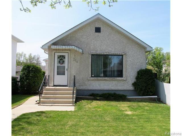 Photo 2: Photos:  in Winnipeg: East Kildonan Residential for sale (North East Winnipeg)  : MLS®# 1613040