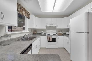 Photo 2: 2413 Catherwood Rd in : CV Merville Black Creek House for sale (Comox Valley)  : MLS®# 861013